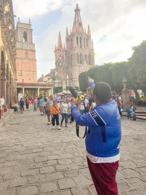 20082017 Luis Fer, quien incluso tiene conocimientos de fotografía y filmación a nivel profesional, recorrió pasajes turísticos captando diversos retratos y paisajes del estado de Guanajuato.