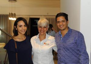 20082017 Esmeralda, Tania y Ricardo.