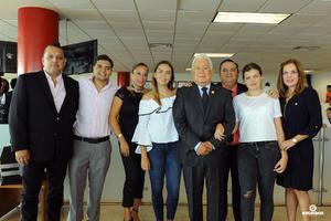 21082017 Jesús Sotomayor Garza con sus hijos: José, Gera, Jesús y Erika, y sus nietos: Jorge, Gaby y Pao.
