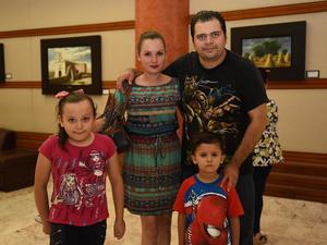 20082017 Saúl, Marisol, Vanessa y Emiliano.