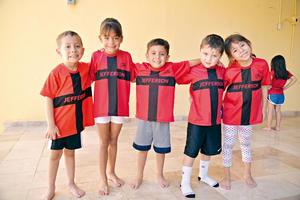 21082017 FELICES.  Ian, Camila, Mateo, Leo y Romina.