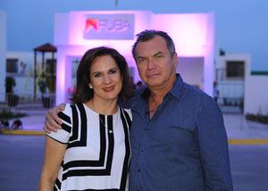 20082017 Maylen Rodríguez y Aniceto Izaguirre.