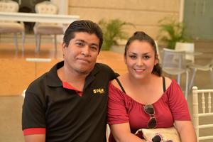 21082017 Juan Carlos y Mayra.