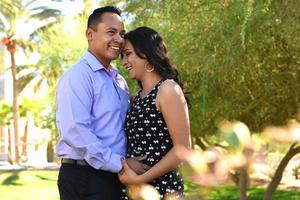 20082017 A UN PASO DEL ALTAR.  Ricardo y María Inés se casarán en octubre.