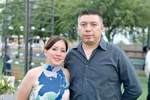 21082017 EN PAREJA.  Mariana y Juan.