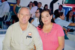 21082017 EN RECIENTE EVENTO.  Ricardo y Esther.