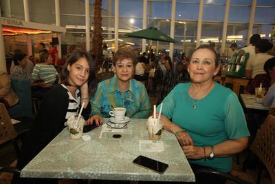 Alicia Navarro, Margarita Sánchez y Paulina Mier.