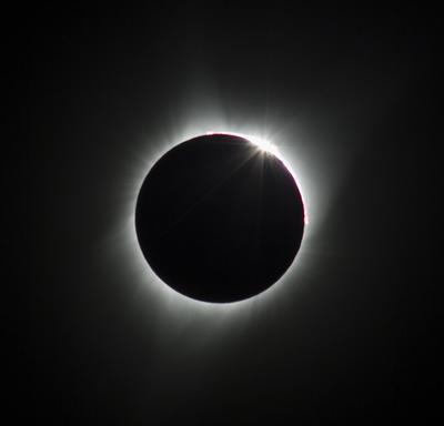 Un eclipse total de sol  pudo verse hoy en Estados Unidos.