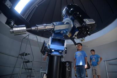 Se habilitó el telescopio para observación del fenómeno.
