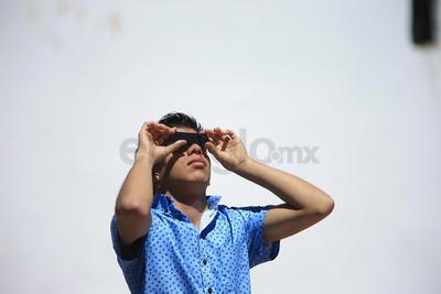 Las diversas fases del eclipse se pudieron apreciar tomando las respectivas medidas de seguridad.