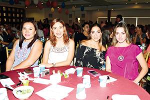22082017 AMIGAS.  Maty, Ileana, Haidé y Analú.