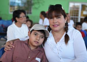 22082017 EN FAMILIA.  Víctor Said Meza y Minerva de Meza.