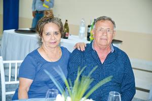 23082017 EN PAREJA.  María Esther y Enrique.