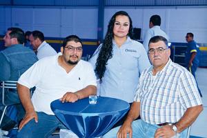 23082017 EN RECIENTE EVENTO.  Pedro, Sandra y Carlos.