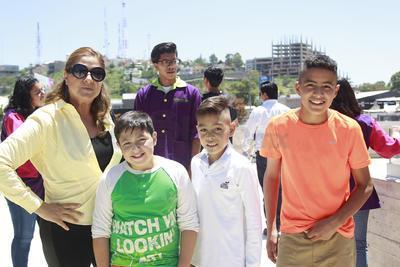 Samantha, Omar, Manuel y Óscar.