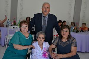 24082017 PRESENTES EN CELEBRACIóN.  Luis, Paty, Josefina y Lourdes.