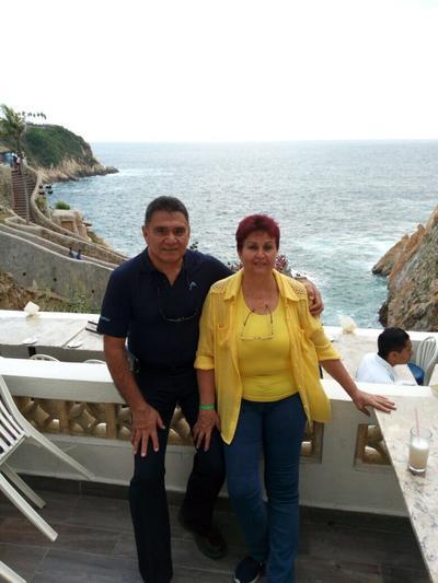 24082017 Miguel Gómez Ch. y Rosario Rodríguez en Acapulco.