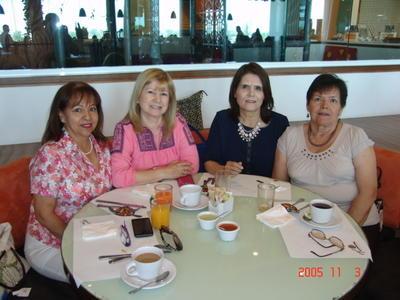 24082017 Lolita, Blanca, Mary y Martha.