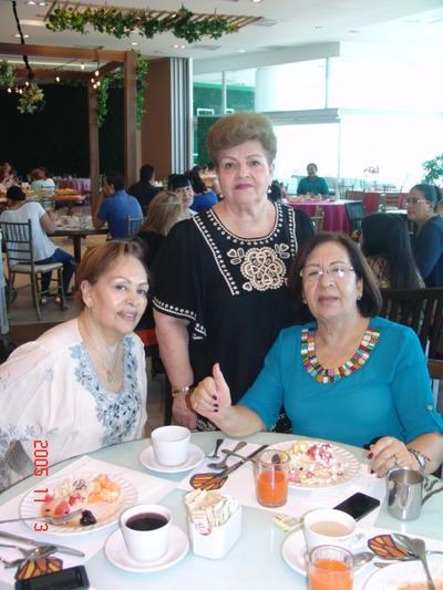 24082017 Ninfa, Yury y María Socorro.