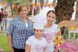 24082017 EN FESTEJO.  Laura, Bárbara y Blanca.