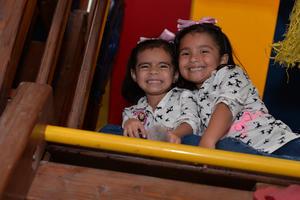 25082017 Ana Gaby y Lia.