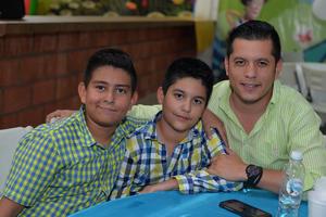 25082017 Adrián, Diego y Felipe.