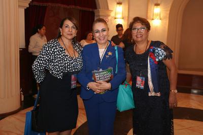 Ernestina Sarmiento,  Raquel Leila Arreola e Imelda Cabrales.