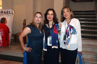 Marcela Manautou, Ana Hernández y Diana Banda.