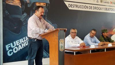 """""""El resultado más alentador del combate a la inseguridad de narcotraficantes, está en haber rescatado la esperanza de un futuro mejor para nuestras familias"""", dijo Zamora Rodríguez."""