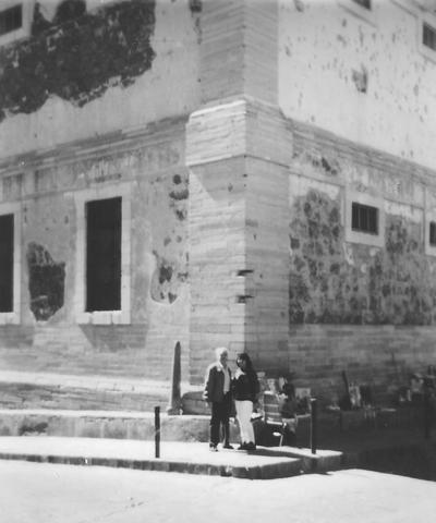26082017 El Sr. José Luis Rosales Carrillo y su hija Griselda Rosales González en la Alhóndiga de Granaditas en Guanajuato en 1997.