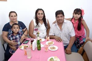 26082017 Adriana, Paulina, Jesús, Estelita y Jesús jr.