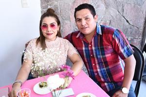 26082017 Blanca Estela y Joel.