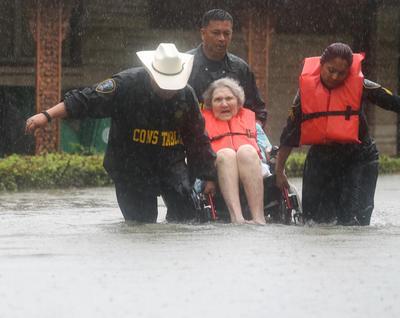 Houston, la cuarta ciudad más grande de Estados Unidos, es atravesada por varios arroyos o ríos y varios de ellos se han desbordado.