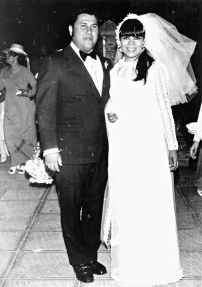 27082017 Raúl Zugasti Reyes y Rosario Rodríguez Ortiz ayer cumplieron su aniversario de bodas número 45.