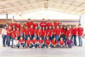 28082017 POSAN PARA LA FOTO.  Taller para maestros del Colegio San Roberto, llamado Seis claves para tener resultados, impartido por la Lic Julieta Granillo.