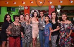 28082017 DESPEDIDA DE SOLTEROS.  Olga y Alberto acompañados de sus familias.