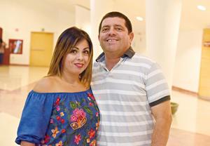 27082017 Ana Luisa Licerio y Hugo Martínez.