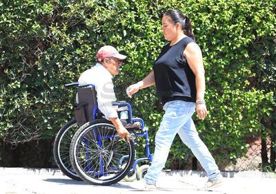 Aquellos con discapacidad motriz, son los que más batallan en una ciudad con deficiencias de accesibilidad.