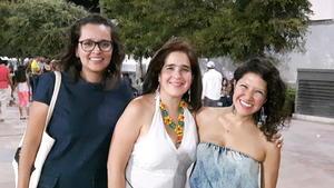 29082017 ENTRE AMIGAS.  Diana, Idoia y Vanessa.