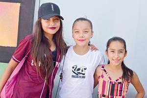 29082017 Vanessa, Dana y Melani.