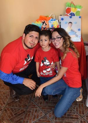 29082017 TRES AñOS.  Juan Gerardo, Francisco y Alejandra.