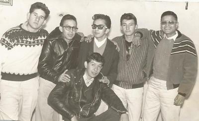 29082017 Grupo de amigos de preparatoria en 1962. David Maycotte Corona, Carlos Barker Pantoja, Jesús Máximo Moreno Mejía, Jesús Herrera Montaña, Alberto Vargas Salas y Francisco Ramírez Solorio.