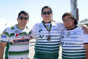 30082017 SANTISTAS.  Leonardo, Carlos y Eduardo.