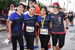 30082017 Yolanda, Martha, Meche y Chío.