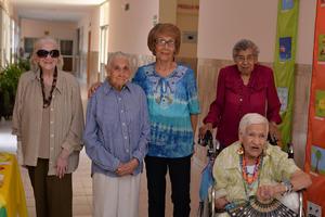 30082017 EN AMENO FESTEJO.  Martha, Gloria, Irma, Trini y María Luisa.