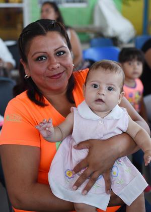 30082017 LINDA POSTAL.  Candelaria Ramos y Britany Sofía.