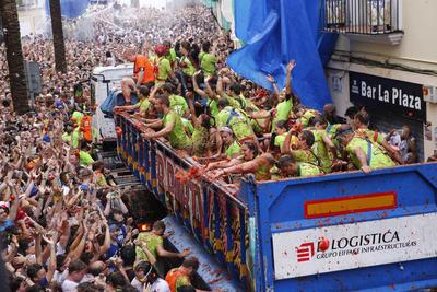 Miles de personas acudieron a este pueblo del este de España.