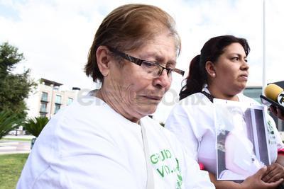 Madres y familiares de desaparecidos recordaron a sus víctimas.
