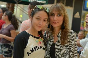 31082017 Soraya y Ana Karen.