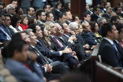 Estuvieron presentes los exgobernadores del PRI Héctor Mayagoitia, Silerio Esparza, Guerrero Mier y Ramírez Gamero.